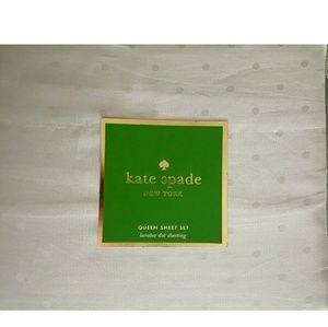 New, Kate Spade Larabee gray dot queen sheet set.